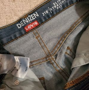 Denizen from Levi's Bottoms - Levi Denizen 218 slim straight fit size 16